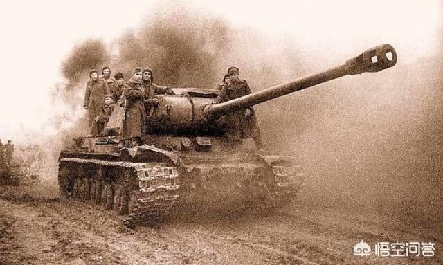 ls2,二战潘兴坦克比lS2坦克强吗?