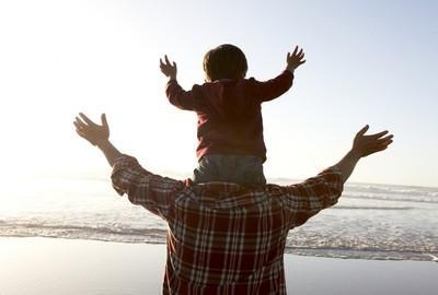 关于母爱的名人名言,经典摘录:关于 亲情 父爱 母爱的名言