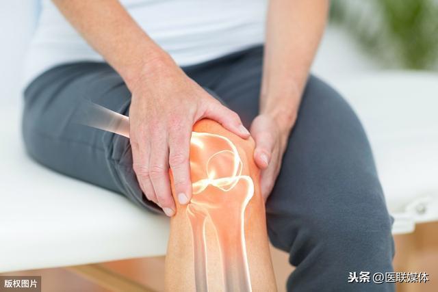 """膝盖疼是怎么回事,膝盖关节痛是怎么回事?这6个背后的""""真相"""",早了解早预防"""