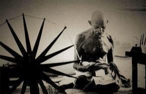 圣雄甘地——用精神对抗屠刀的人,是成功还是彻底失败?