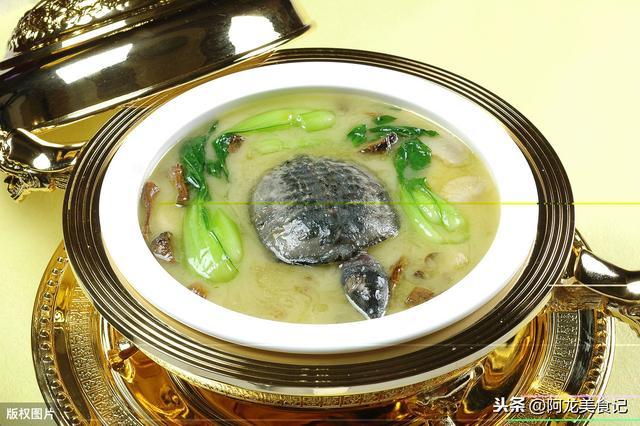"""甲鱼汤的做法,甲鱼汤怎么做才能鲜美无腥味?教你""""4个诀窍"""",炖好汤很简单"""