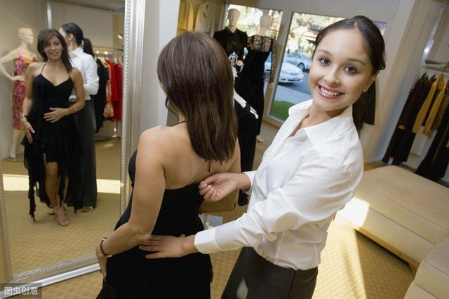 服装销售技巧和话术,服装导购销售技巧全在细节中,做好这6点,让服装销售工资翻倍