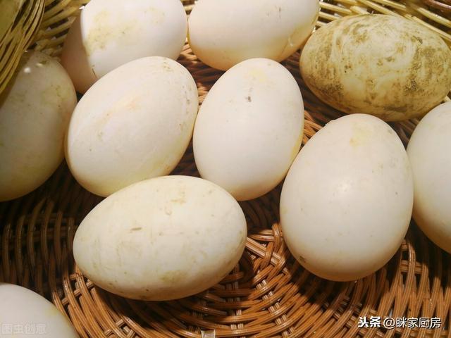 鹅蛋的吃法,为什么吃鹅肉的人很多,鹅蛋很少拿来吃?试了一个水煮鹅蛋,懂了