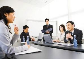 沟通技巧,与人交谈,如何做到察言观色?其实也不难,只需三个方法就行