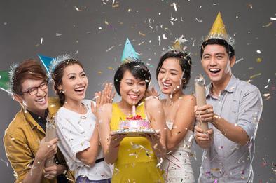 老公生日祝福语,参加不同人的生日宴讲究不同,尤其是祝词!看完真是涨知识