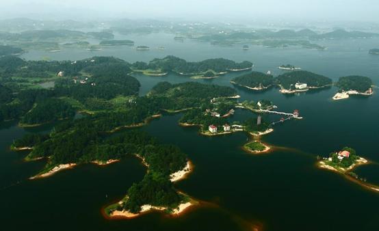 """万佛湖风景区,安徽又一景区走红,有舒城""""千岛湖""""之称,距合肥仅3小时车程"""