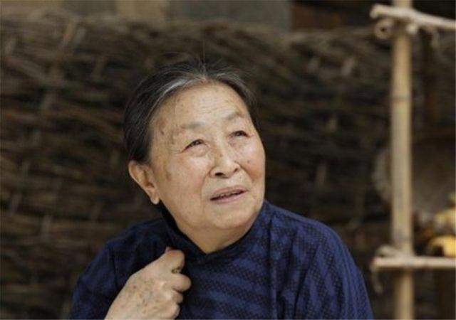 """张少华去世,讣告上的""""先生""""二字体现了对她的崇高敬意 全球新闻风头榜 第2张"""