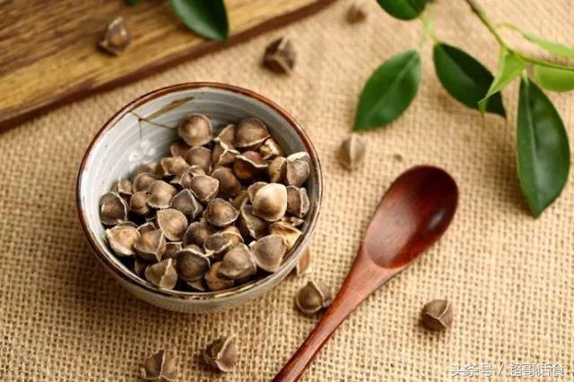 辣木籽的功效及吃法,不吹不黑,辣木籽应该是这个用途,而不是排毒养颜