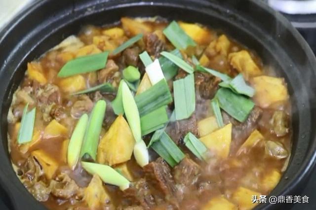红烧牛肉的做法,红烧牛肉,有人焯水,有人直接烧,教你正确方法,牛肉红亮又鲜嫩