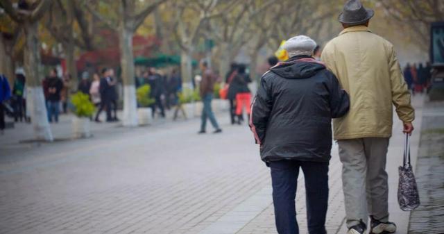 在我国的社会老龄化,实际上在2014年就有征兆
