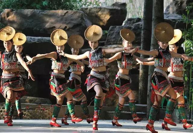 藏族的传统节日,沐浴节、燃灯节、当雄赛马会…藏族节庆知多少