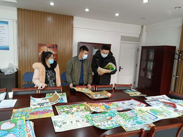 小学生手抄报,八师石河子市举行中小学生绘画手抄报比赛