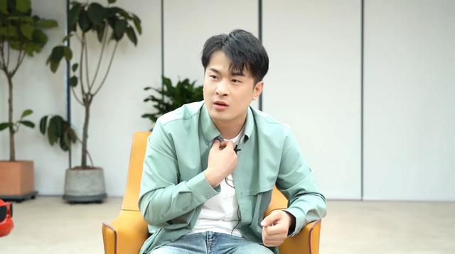 辛巴最新消息,辛巴公开回应不接受公益被质疑,称最敬佩的企业家是曹德旺