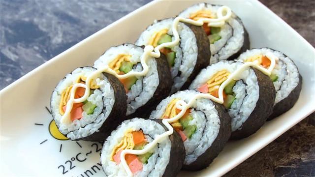 寿司的做法和材料,教你做简单美味寿司,健康营养搭配又好吃,搞定不爱吃饭的小孩