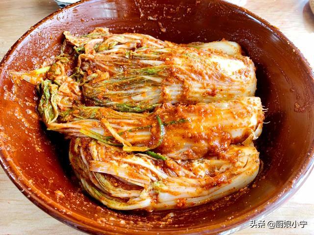 韩国泡菜怎么做,辣白菜这样腌太好吃了,配方比例超详细,比买的好吃10倍,过瘾