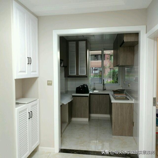 装修房子全包价格,我家新房全包出去,硬装花了8W,全屋木工手打的柜子很满意