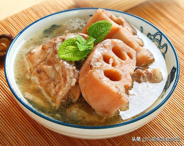 莲藕排骨汤怎么做,跟着武汉煨汤非遗传承人学做莲藕排骨汤,炖藕怎样炖得又粉又烂?