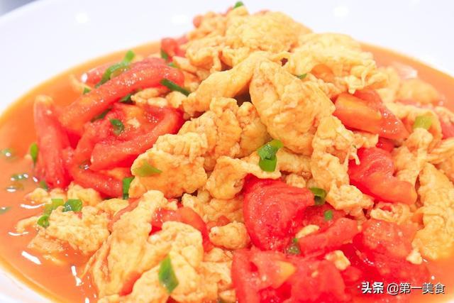 西红柿炒鸡蛋的做法,酒店做的番茄炒鸡蛋为啥好吃?原来窍门这么简单,看一遍能学会