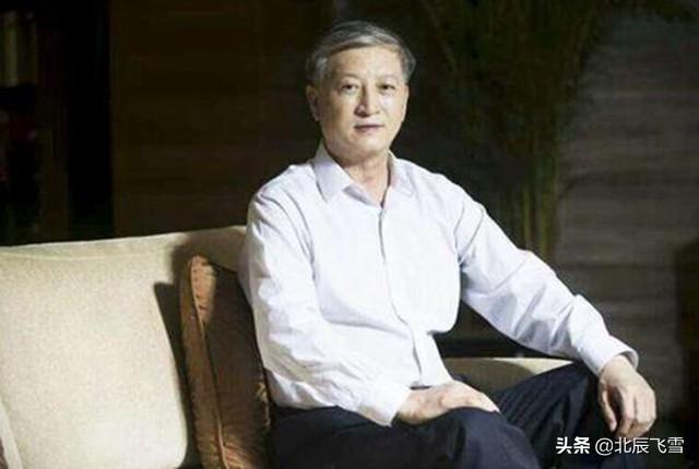 徐增平,河南人,当兵,能饮酒!之后他在中国香港创立创律集团