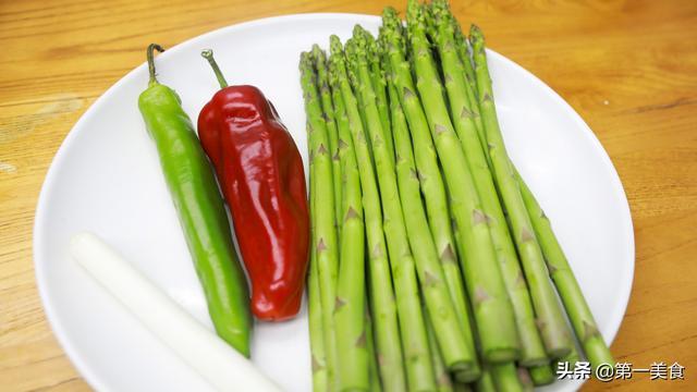 美食菜谱,春天肉都不吃也要吃的一道菜,清淡爽口营养高,做法极简单