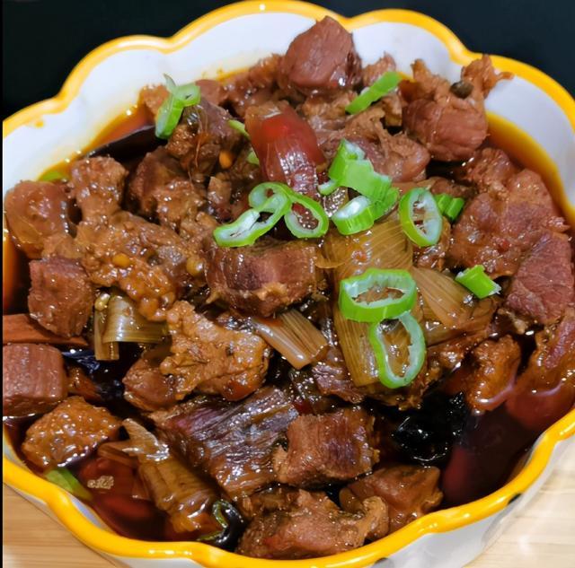 红烧牛肉的做法,超级好吃的《红烧牛肉》你会做吗,点进来手把手教你