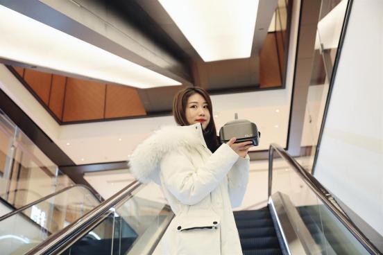 vr爱奇艺,女王节礼物不会选?爱奇艺奇遇2S VR一体机,共启平行世界
