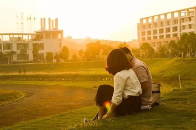 关于情人节的唯美句子,适合情人节发朋友圈的情话句子,赶紧来学一学