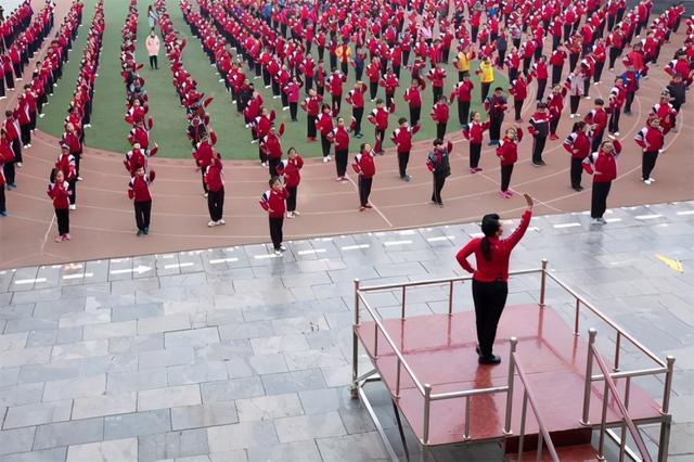 全国小学生广播体操,中国广播体操的诞生史:学习苏联,借鉴日本,风靡全国的健身运动