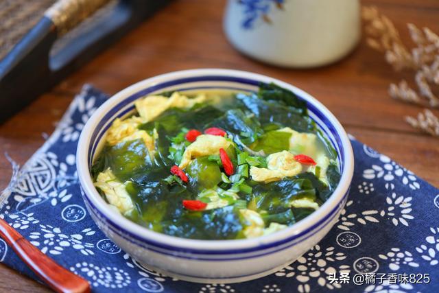 裙带菜的做法,秋冬气候干,常给家人喝汤,10分钟端上桌,简单营养味道鲜美