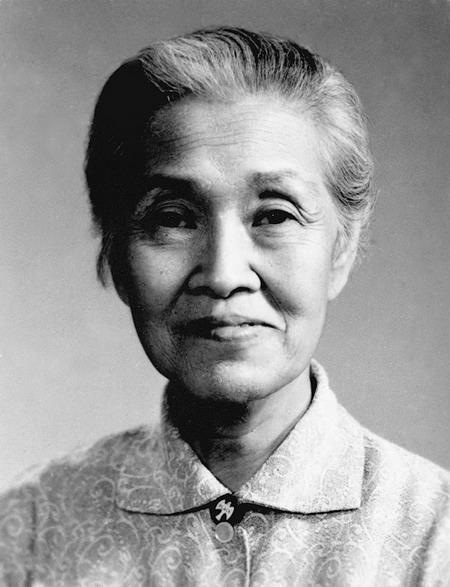 林巧稚简介,没结婚,没恋爱,没生育,她60年活在病房,五万人出生证有她名字