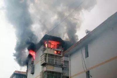 """消防设施有哪些,家庭常备逃生应急必备消防""""五宝"""",您备齐了吗?"""