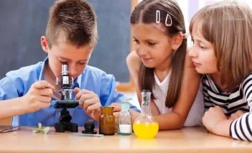 小学生最爱100个小实验,爆款来袭!全世界都在玩的趣味实验,让家长和孩子都大呼过瘾