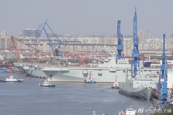 我国动工修建三艘075型两栖舰所有排水