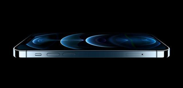 消息称iPhone 13显示屏的时钟和电池的图标区域可以持续被点亮