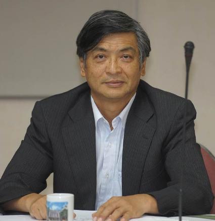 台湾校长:把小孩送到北大清华那么落后的地方,是头壳坏掉 全球新闻风头榜 第1张