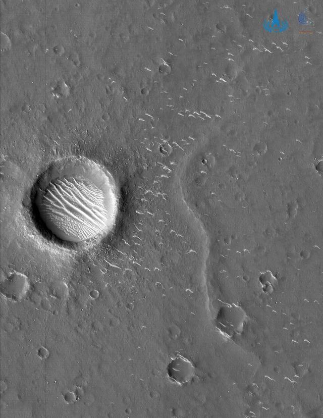 天问一号拍的高清火星照来了 全球新闻风头榜 第1张