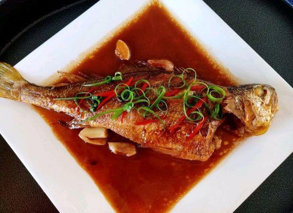 小黄鱼的做法,红烧黄花鱼(柔嫩汁鲜)