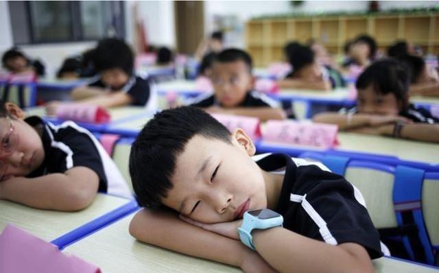 """育才小学,沈阳公认""""实力强""""的4所小学,但招生名额有限,很多孩子进不去"""