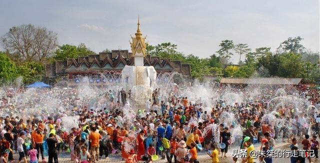 泼水节是哪个民族的节日,西双版纳傣族泼水节,不只是泼水,还有其他很多隆重的活动