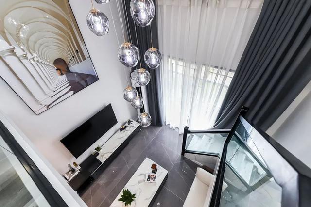 房间装修效果图,34㎡现代度假小屋,安静时尚的空间,一两人的假期,浪漫舒适