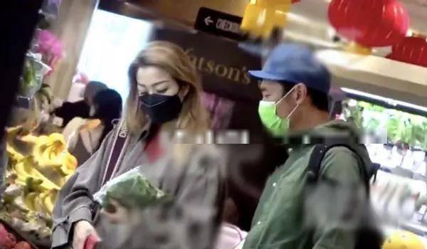 许志安正式复出拍戏!因婚内出轨沉寂2年,小三黄心颖却落魄退圈 全球新闻风头榜 第4张