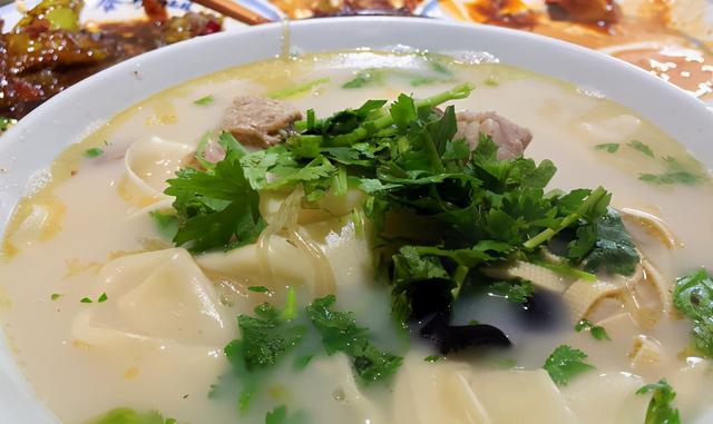 附近美食,郑州燕庄附近美食榜单出炉,约会聚餐工作餐这里都能搞定