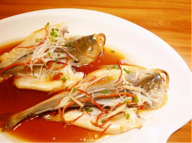 清蒸黄花鱼的做法,清蒸黄花鱼要如何做才好吃