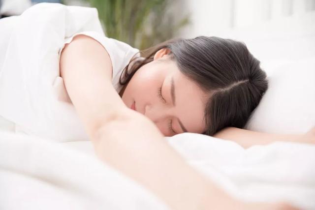 周公解梦梦见掉牙,梦境心理学:梦中出现考试、掉牙、逝去的亲人,意味着什么?