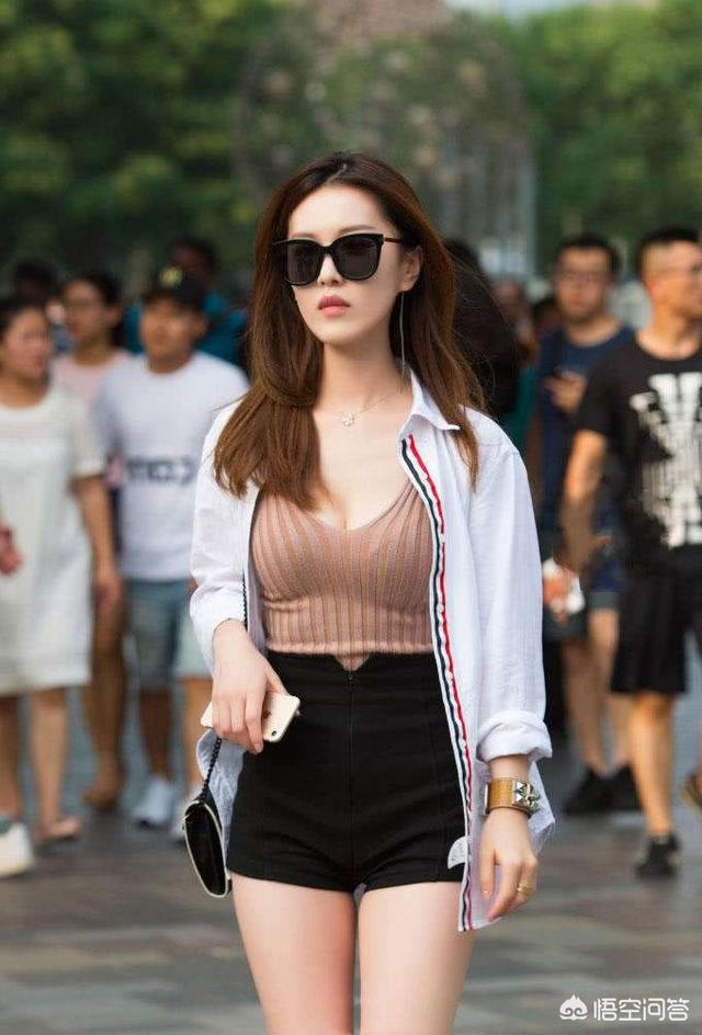 美女的胸部长什么样图片,女生的哪种身材算好身材?