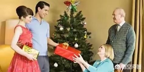 送男朋友礼物盒装可乐,女方去男方家,带什么礼物比较好?