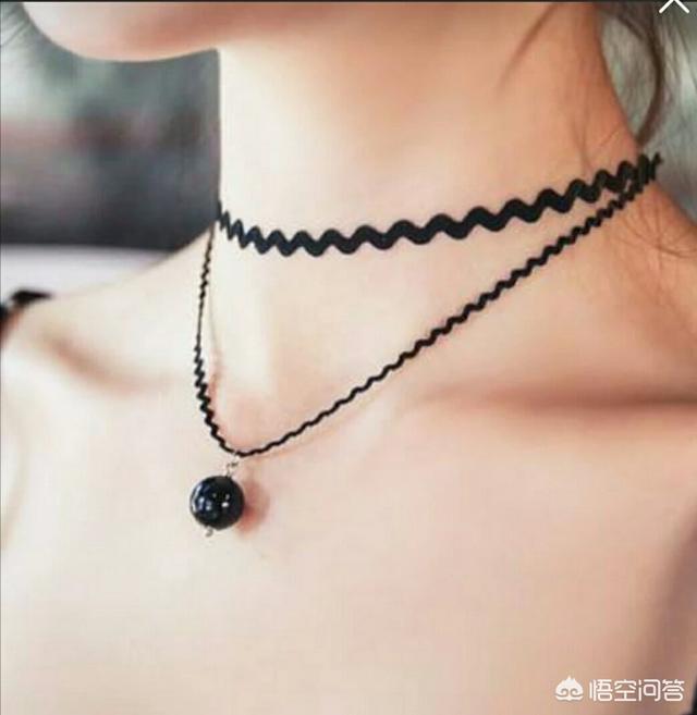 戴金耳环有什么好处、戴金耳环对身体什么好处、戴金耳环的女人插图3
