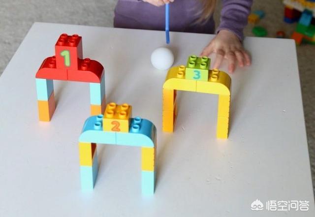 倒车请故意折纸,家长在家如何给孩子早教?