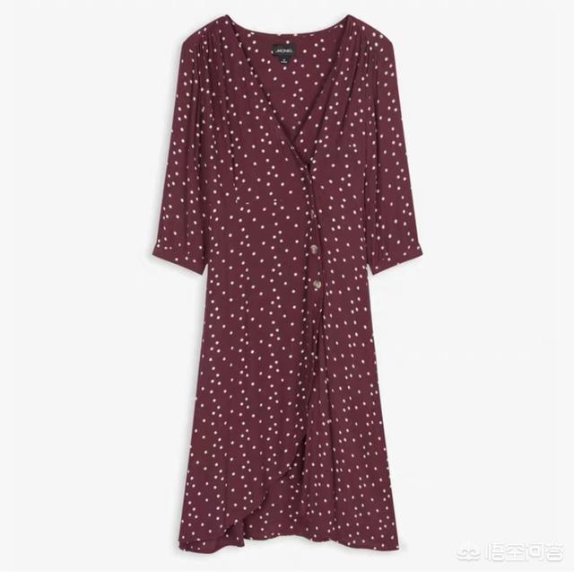 美甲图片法式红色:有没有好看的法式红裙推荐?(红色裙子搭什么颜色外套好看)