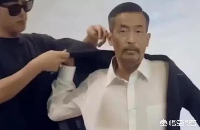"""""""流浪汉""""沈巍能够走红,说明这个社会"""